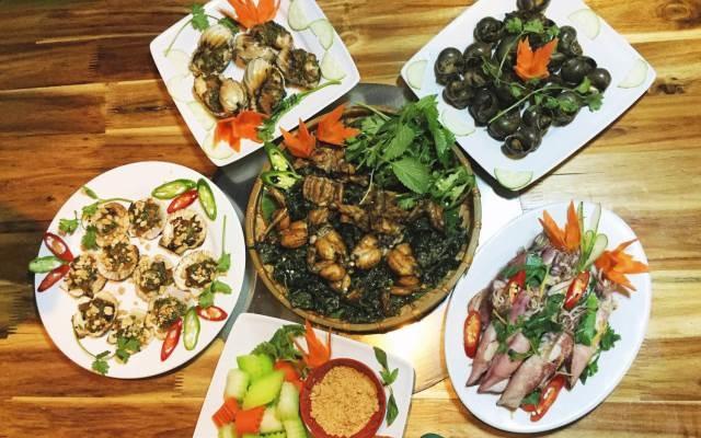 Những món ốc, hải sản phong phú của nhà hàng