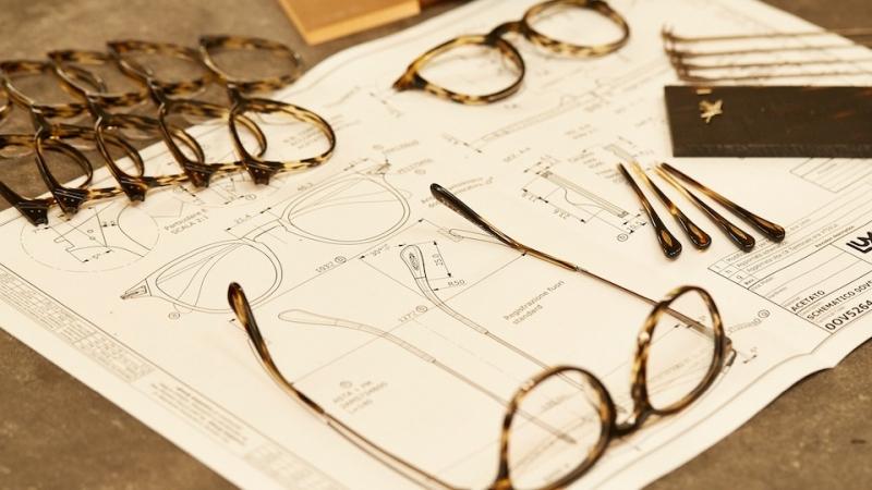 Bản vẽ chi tiết của 1 chiếc kính Oliver Peoples