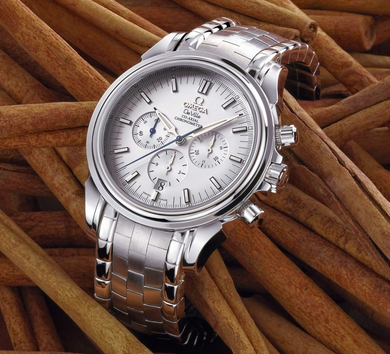 Chiếc đồng hồ Omega DeVille Co-axial