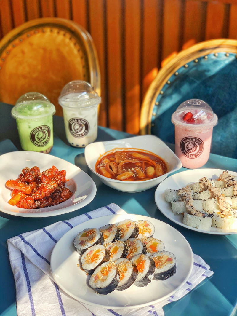Đến với Omma Korean Food, thực khách sẽ được thưởng thức menu đồ ăn Hàn chuẩn vị, hấp dẫn.