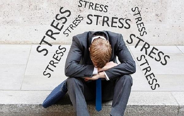 Tránh tâm lý căng thẳng, stress gây ảnh hưởng đến giấc ngủ của bạn