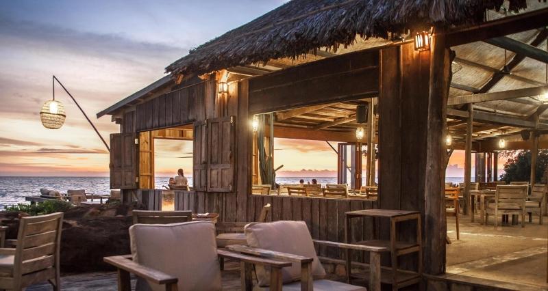 Top 6 nhà hàng nổi tiếng và ngon nhất tại Phú Quốc