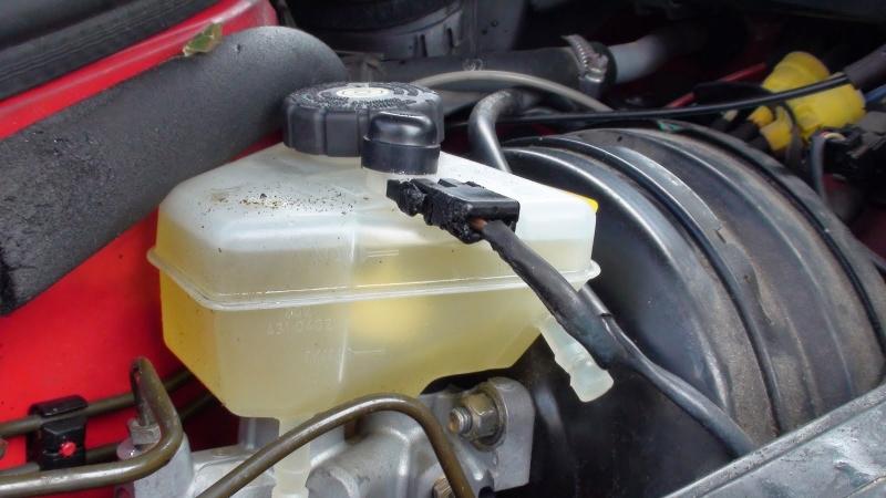 Lưu ý ống phanh dầu