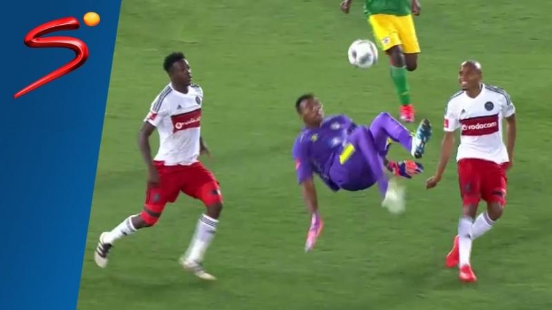 Oscarine Masuluke là một thủ môn