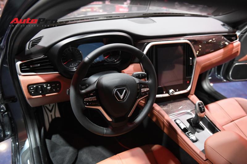 Nội thất sedan VinFast LUX A2.0 sang trọng và hiện đại