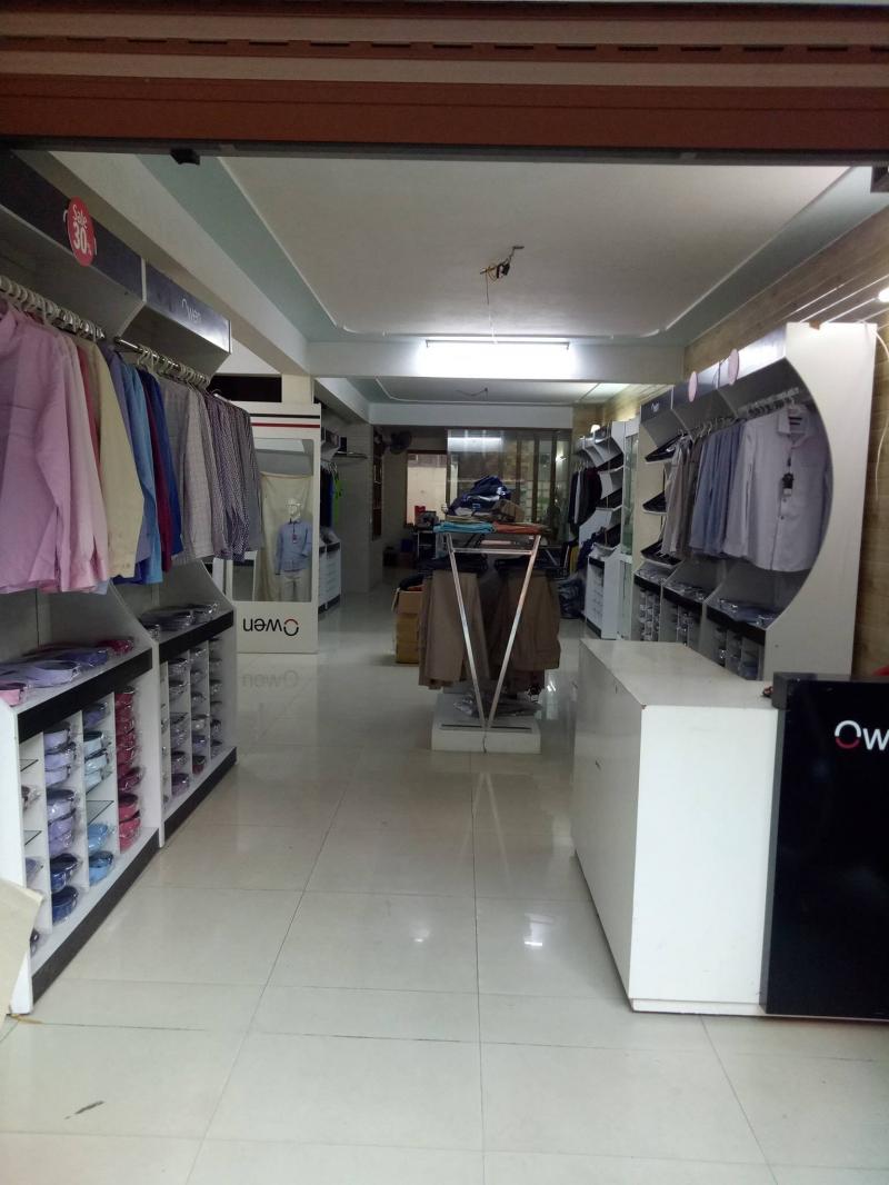 Không gian bên trong shop