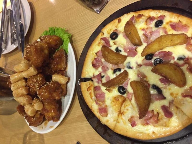 Pizza phô mai rất thơm và được làm từ pizza hảo hạng, dù có béo một chút nhưng rất ngon và dinh dưỡng.