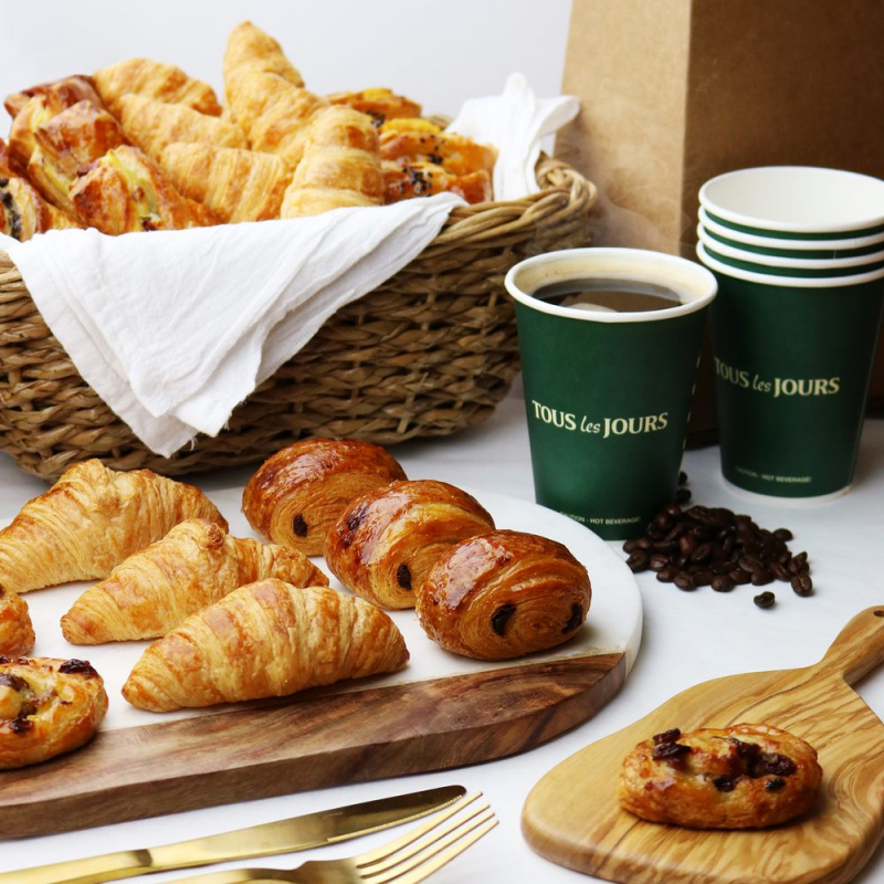 Ở Việt Nam, Paris Gateaux chính là địa điểm nổi tiếng nhất của các tín đồ bánh ngọt tìm đến.