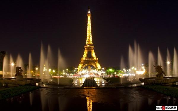 Paris được mệnh danh là kinh đô ánh sáng.