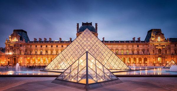 Bảo tàng Louvre chứa rất nhiều hiện vật có giá trị