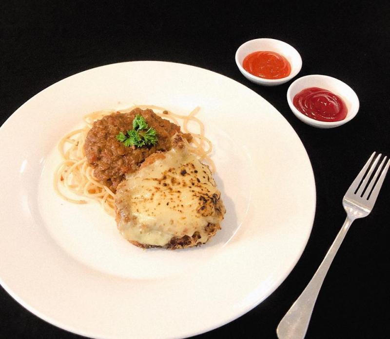 Pasta Food ban đầu chỉ nhận order online nhưng hiện nay đã có cửa tiệm ở khu Phú Nhuận và được nhiều bạn trẻ ghé đến