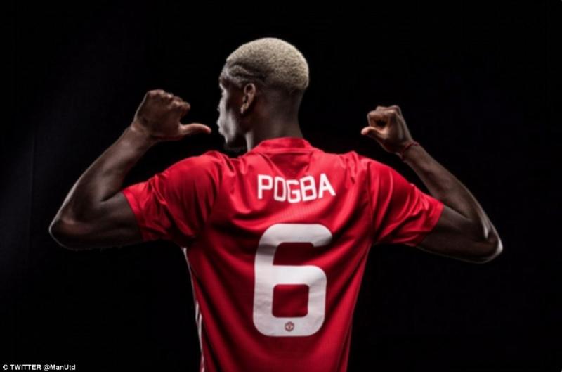 Pogba khoác áo số 6 ở Manchester United