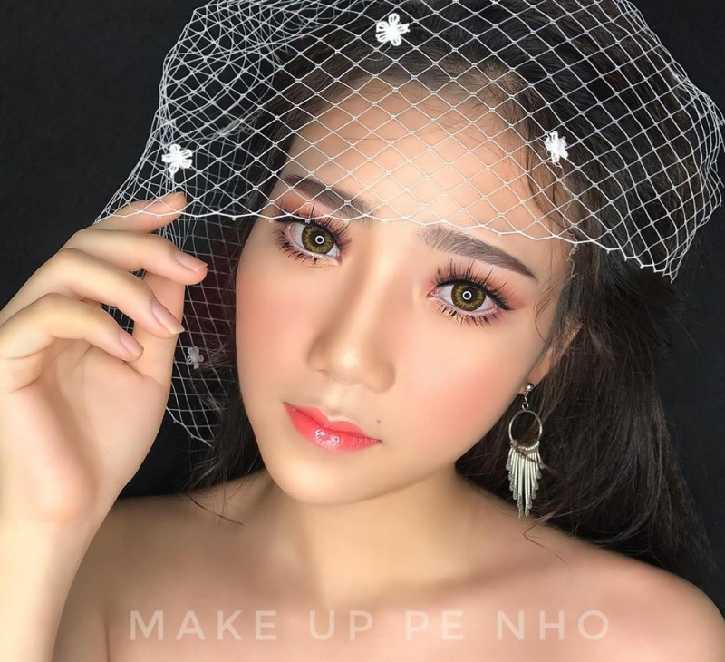 Pé Nhỏ Make Up (Áo cưới Bella)