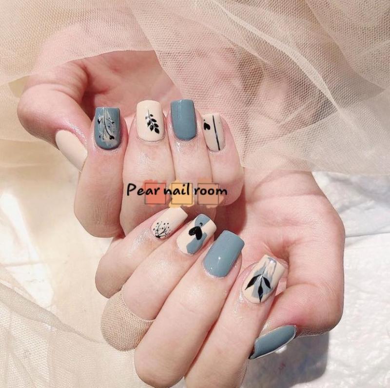Pear Nail & Eyelashes