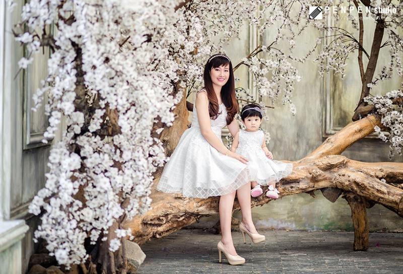 PenPen Studio chụp ảnh mẹ và bé