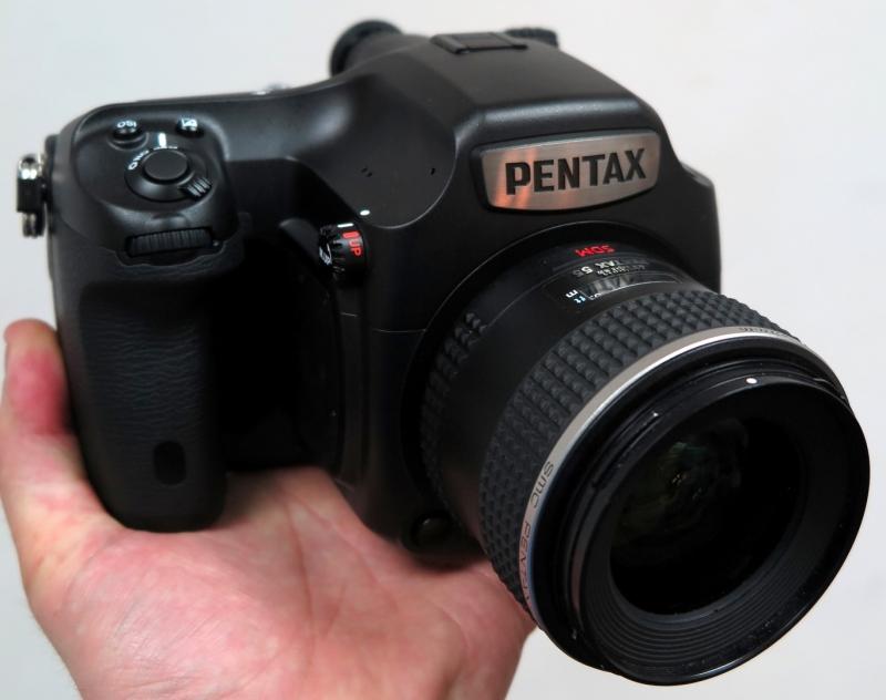 Pentax 645D - máy ảnh cao cấp nhất