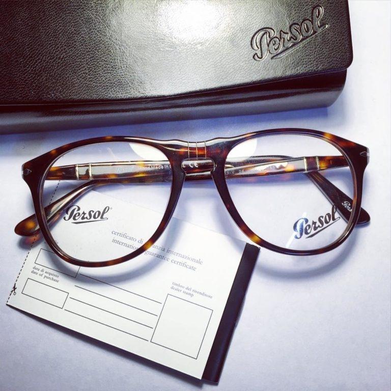 Mắt kính Persol