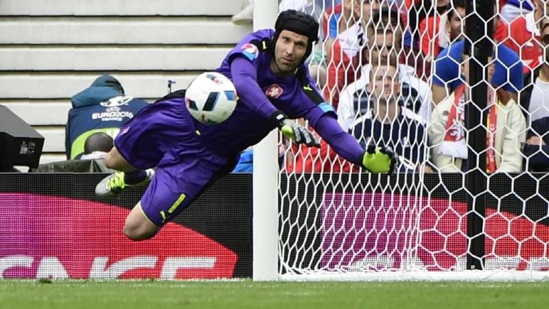 Petr Cech vẫn chứng tỏ tài năng hàng đầu của mình