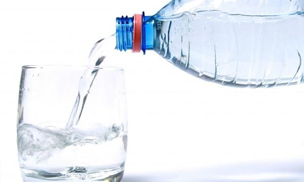 Pha sữa bằng nước khoáng