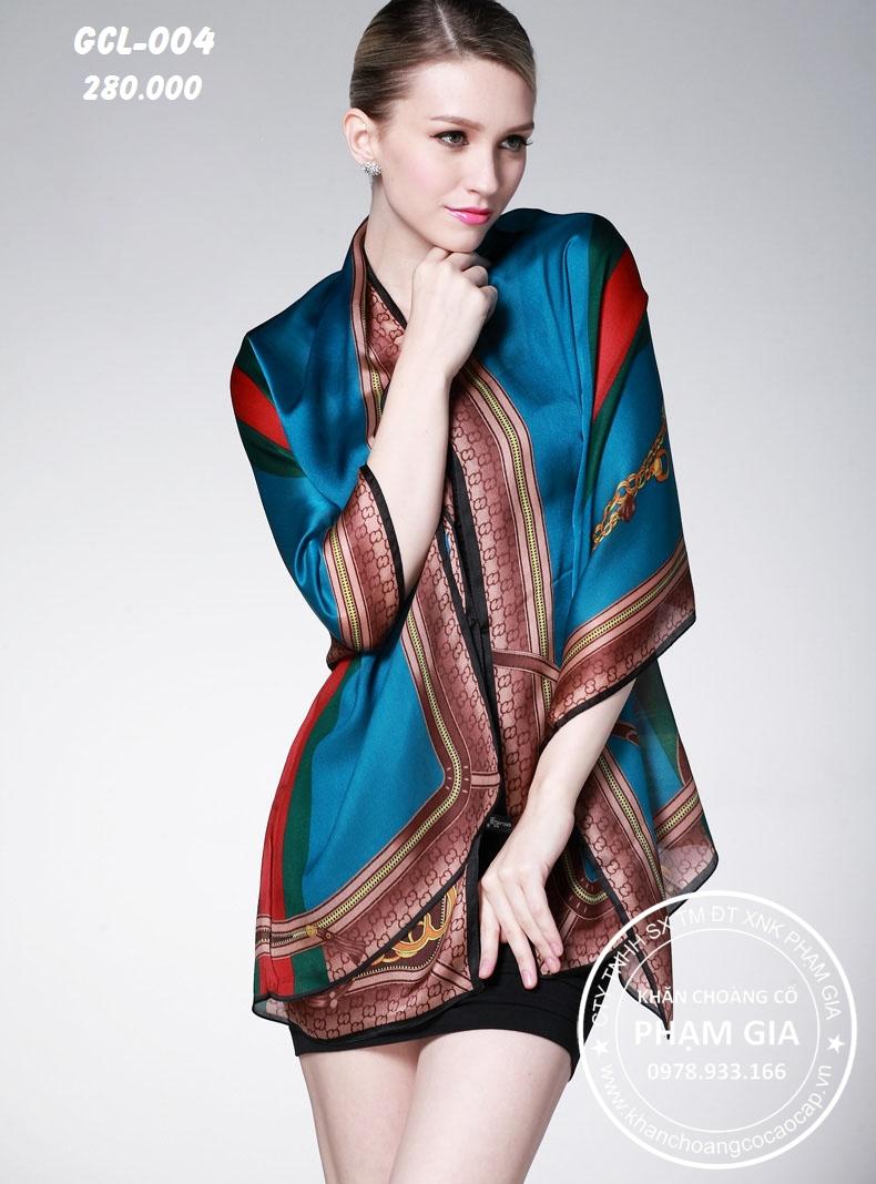 Phạm Gia đang trở thành thương hiệu khăn choàng cổ nổi tiếng ở TP.HCM