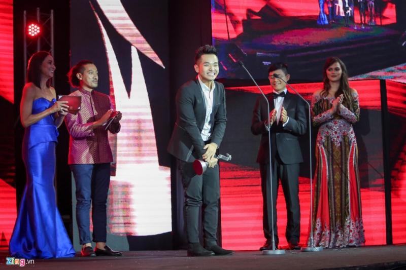 Phạm Hồng Phước vinh dự nhận giải thưởng Best Actor cho vai diễn đầu tiên