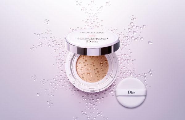 Phấn nước DiorSnow Bloom Perfect Brightening Perfect Moist Cushion