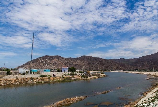 Cái nắng tê người trên đường phượt Phan Rang - Tháp Chàm.