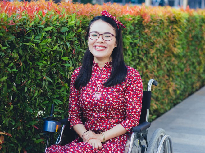Phan Thị Rát  - Cô sinh viên khuyết tật chăm học