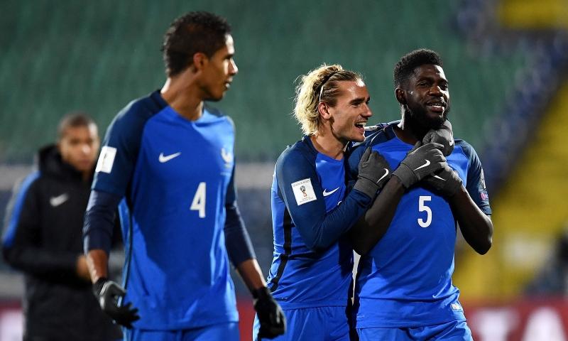 Áo của Đội tuyển Pháp với hai màu chủ đạo