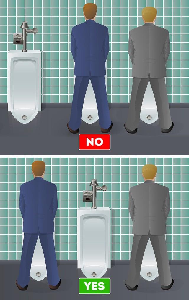 Phép lịch sự khi vào nhà  vệ sinh công cộng