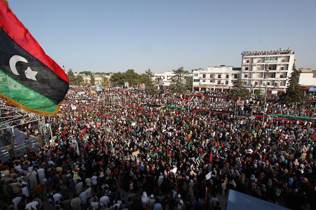 Phía Đông và Tây Libya