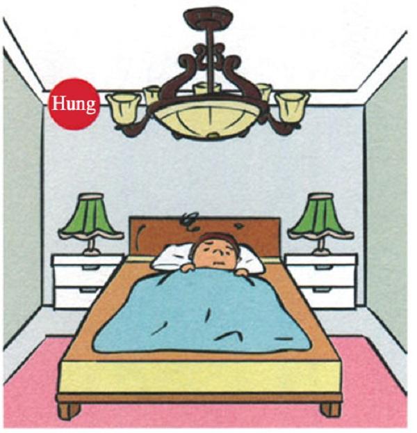 Phía trên giường ngủ không đặt những trang trí cầu kỳ trên trần nhà
