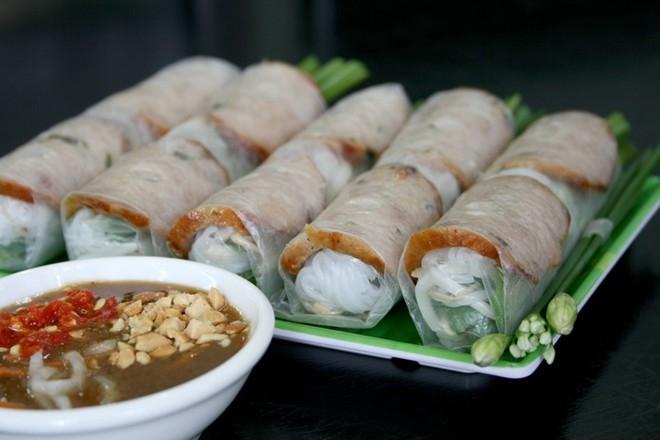 Phố ẩm thực Phan Xích Long – Quận Phú Nhuận