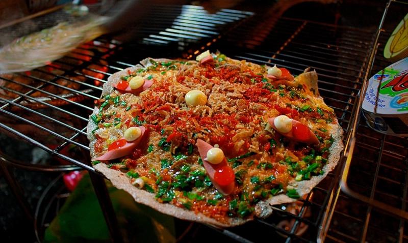 Phố bánh tráng nướng Đà Lạt ở Cao Thắng - Quận 3