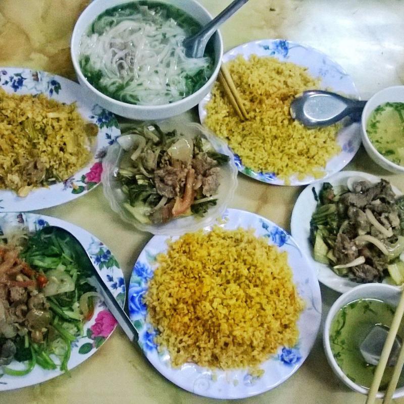 Cơm rang dưa bò tại 29 Chùa Láng