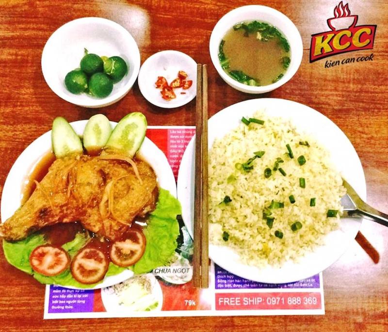 Phở Bò KCC là một trong những quán ăn ngon nhất gần Học Viện Ngân Hàng