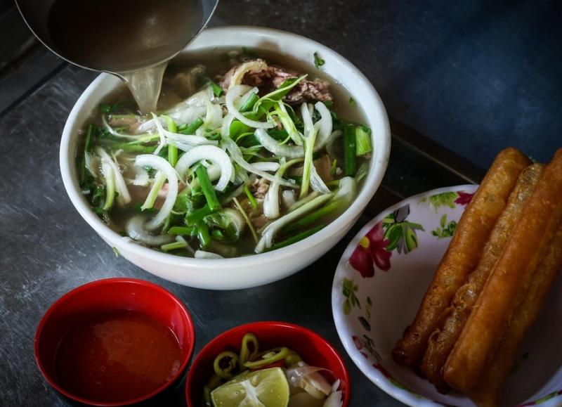 Hơn 30 năm qua, phở Phú Gia đã mang những hương vị rất Hà Nội đến gần hơn với người dân Sài thành