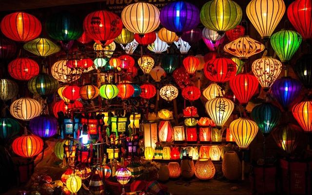 Phố đèn lồng Hội An đẹp lung linh về đêm