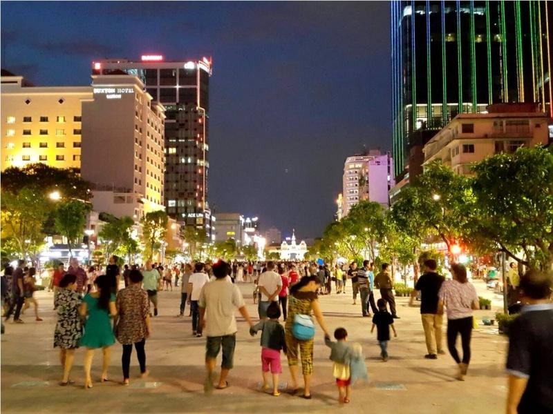 Phố đi bộ Nguyễn Huệ.