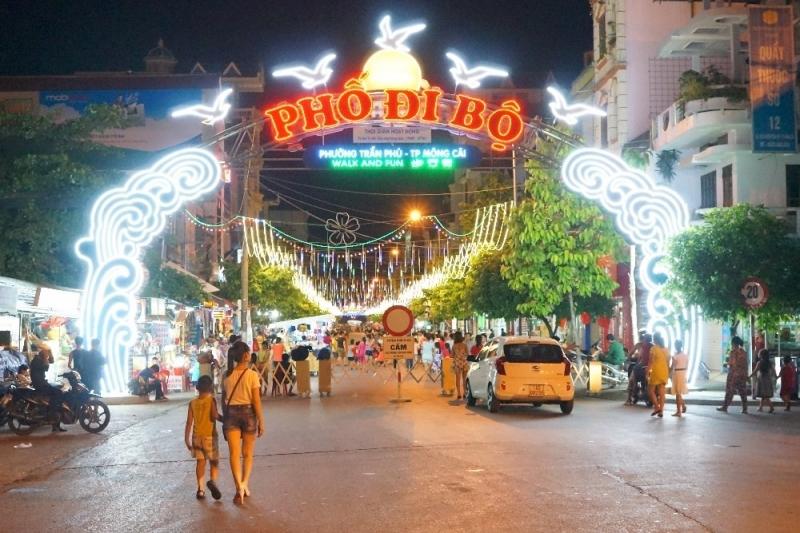 Phố đi bộ Trần Phú (Móng Cái)