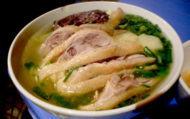Phở gà món ăn truyền thống có tác dụng chữa bệnh rất tốt