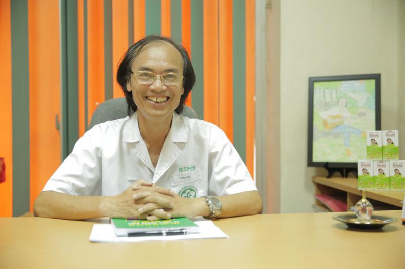 Phó Giáo sư - Tiến sĩ Nguyễn Tiến Dũng