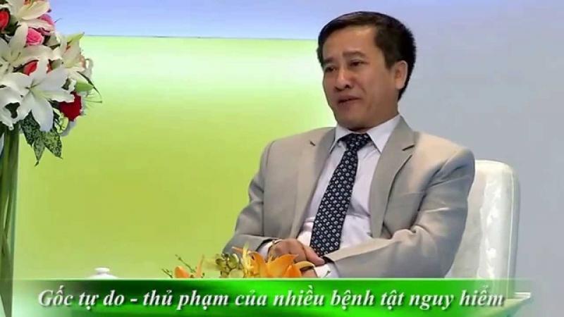 Phó giáo sư trong một chương trình truyền hình về tư vấn sức khỏe thần kinh