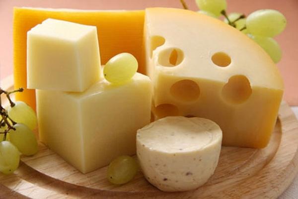 Pho mat chứa nhiều canxi và protein