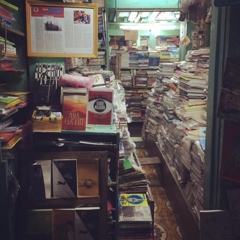 Một góc sách khổng lồ