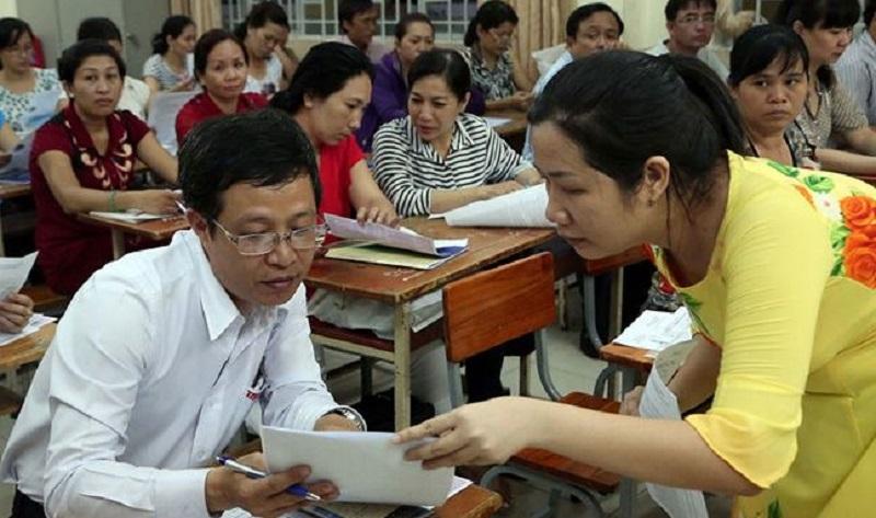 Giáo viên phối hợp với phụ huynh thông qua các buổi họp phụ huynh