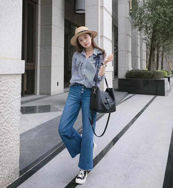 Phối quần ống rộng với áo sơ mi hoặc áo phông