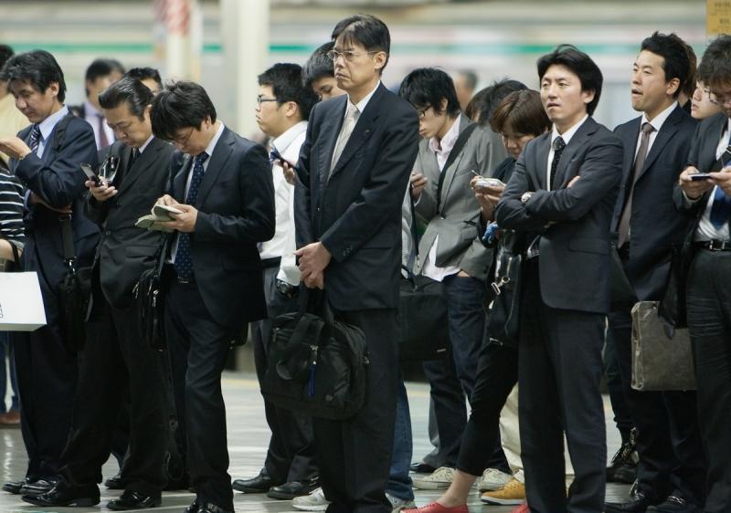 Người Nhật chỉn chu khi đi làm