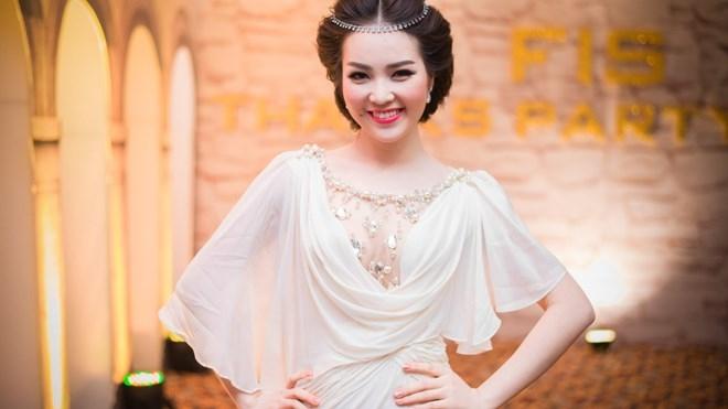 Vẻ đẹp gợi cảm của phong cách thời trang Hy Lạp luôn được chú ý và đánh giá cao