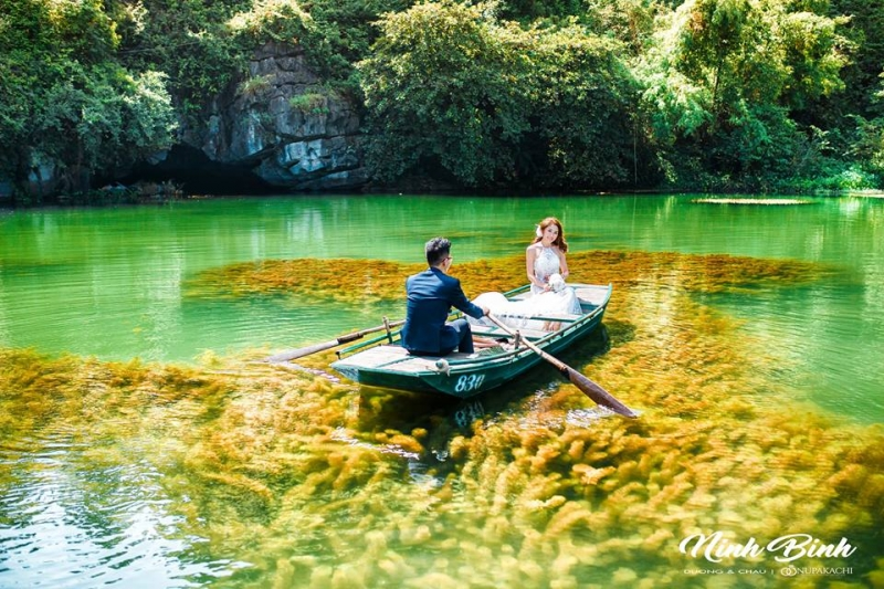 Phong cảnh bơi thuyền